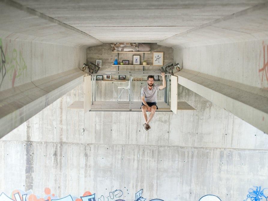 A Spanish designer installed a tiny shelter under a bridge - Tiny